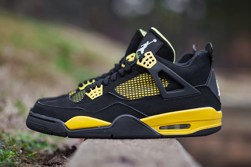 "Image of Air Jordan IV 2012 ""Thunder"" Retro"