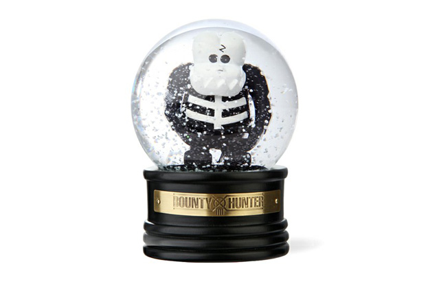 Image of BOUNTY HUNTER Skull-Kun Snow Dome