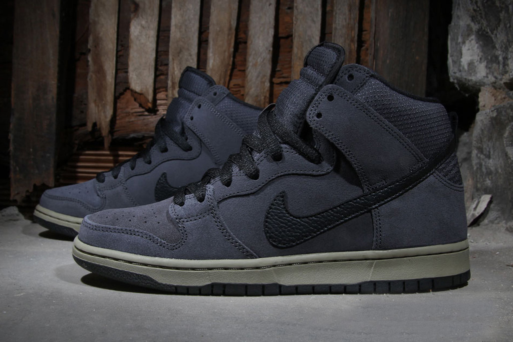 "Image of Nike SB Dunk High ""Anthracite"""