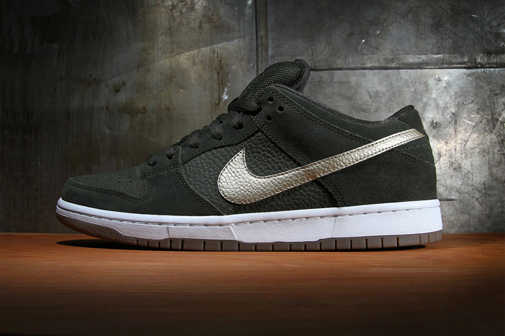 Image of Nike SB Dunk Low Pro Sequoia/Metallic Zinc