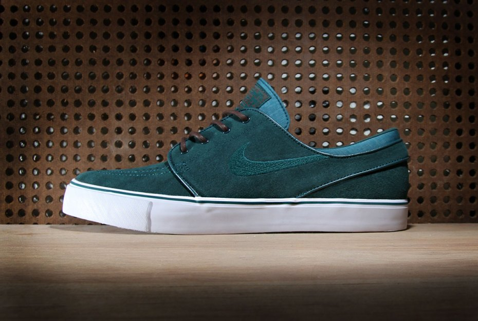 "Image of Nike SB Zoom Stefan Janoski ""Atomic Teal"""