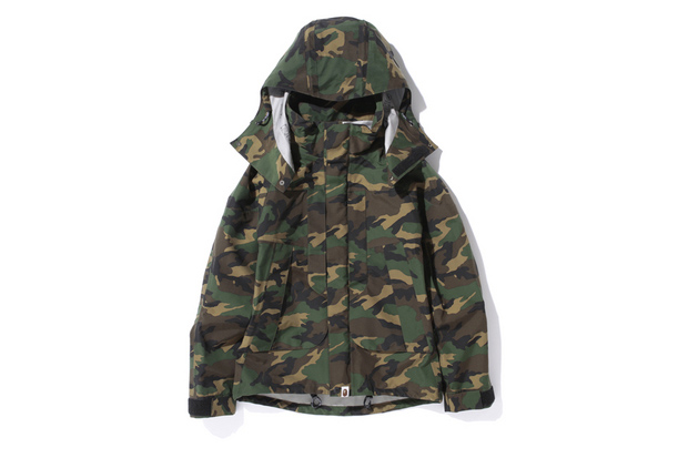 Image of A Bathing Ape WOODLAND CAMO GORE-TEX SHORT SNOWBOARD JACKET