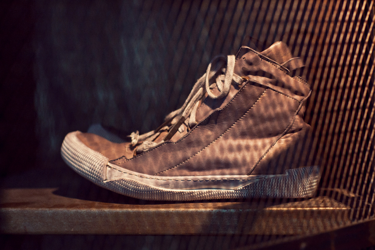 Image of Boris Bidjan Saberi 2012 Fall/Winter BAMBA2-F235 Mid-Top Sneaker 