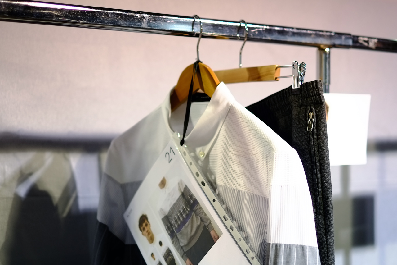 Image of KRISVANASSCHE 2013 Fall/Winter Backstage Visuals