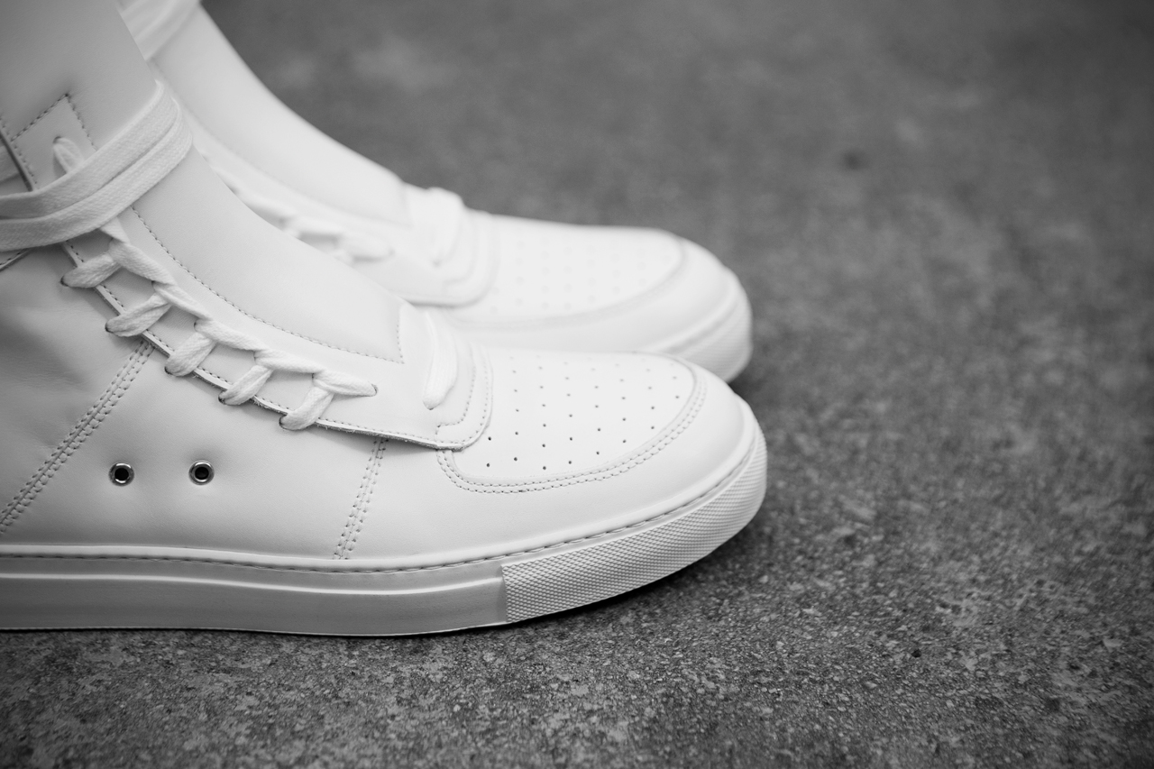 Image of KRISVANASSCHE 2013 Spring/Summer Multi Laces Sneaker
