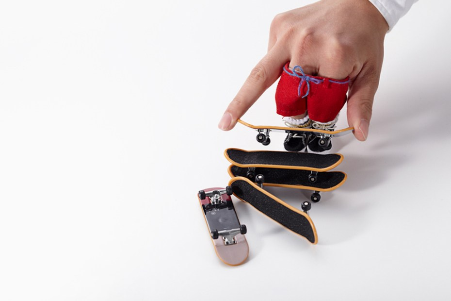 "Image of master-piece ""Little SK8ers"" Novelty Finger Skateboards"
