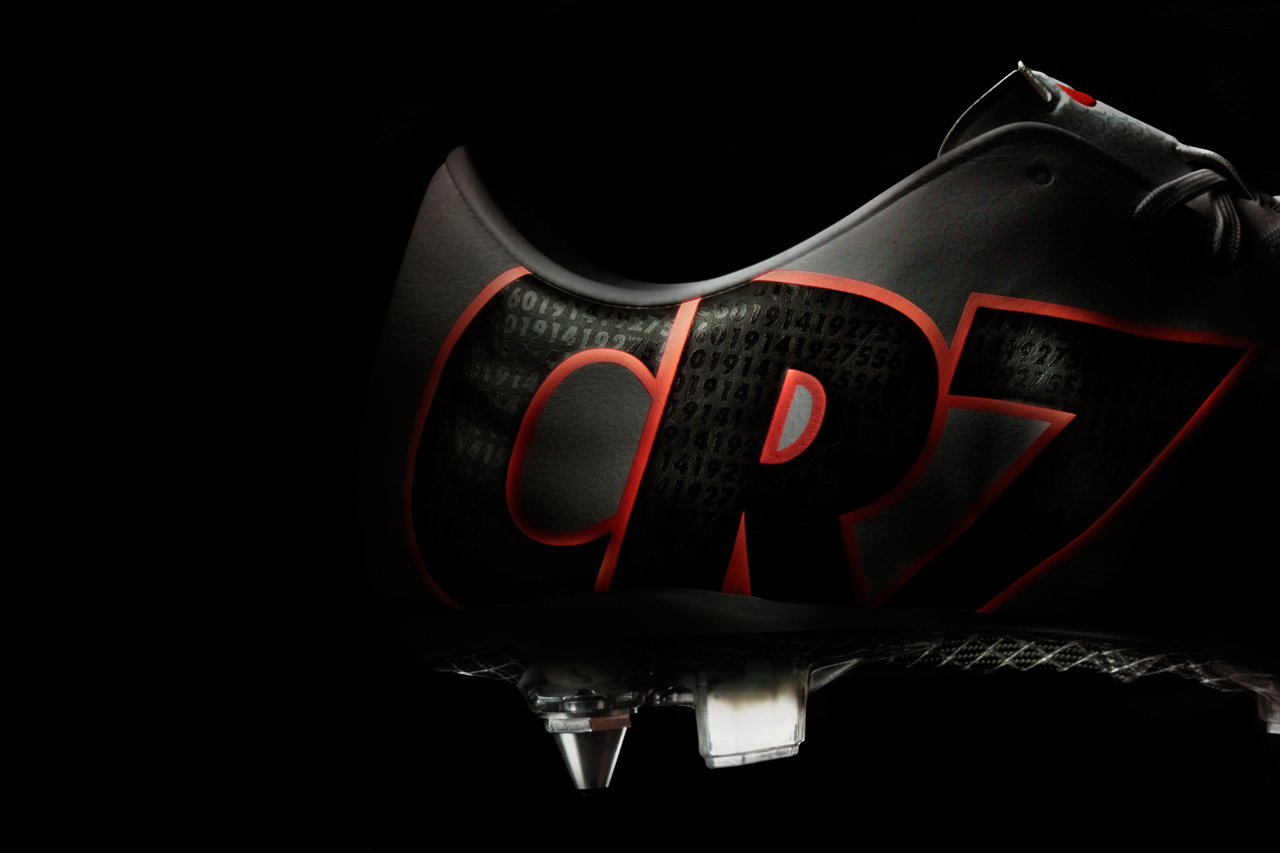 Image of Nike Celebrates All of Cristiano Ronaldo's Achievements Last Season In This CR Mercurial IX