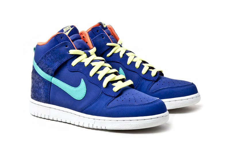 "Image of Nike Dunk High ""Fruit Crackle"""