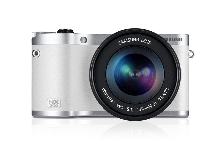 3D camera lens features large on Samsung NX-300.
