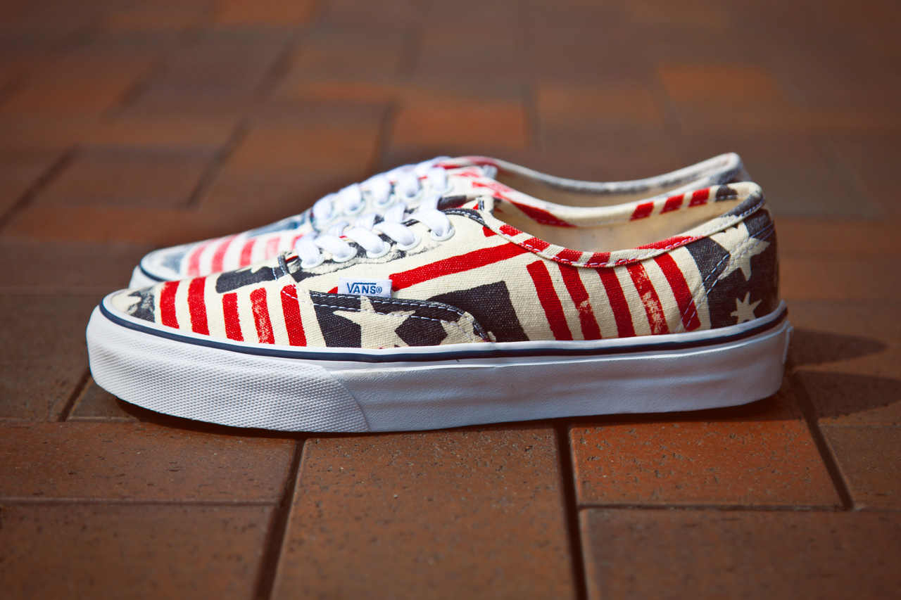 "Image of Vans California Van Doren Series 2013 Spring Authentic CA ""Retro Flag"""