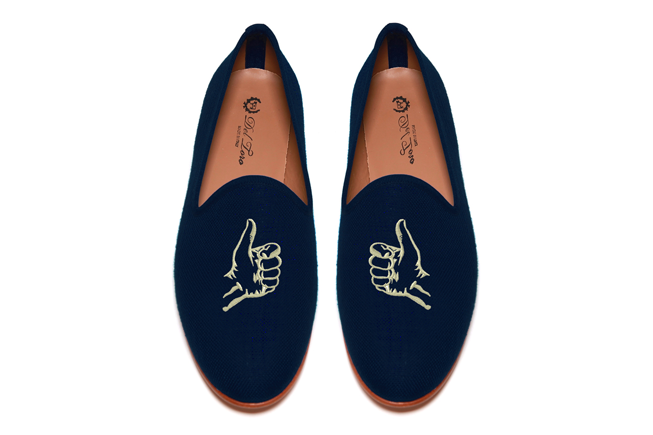 "Image of Five Story NYC x Del Toro ""Thumbs Up"" Navy Linen Slipper"