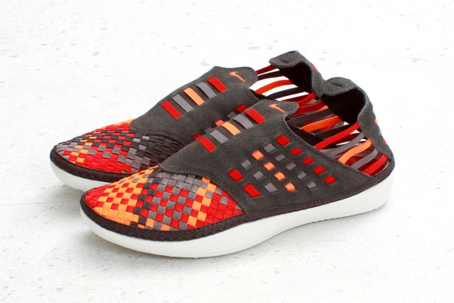 Image of Nike Solarsoft Rache Woven Premium &quot;Total Orange&quot;