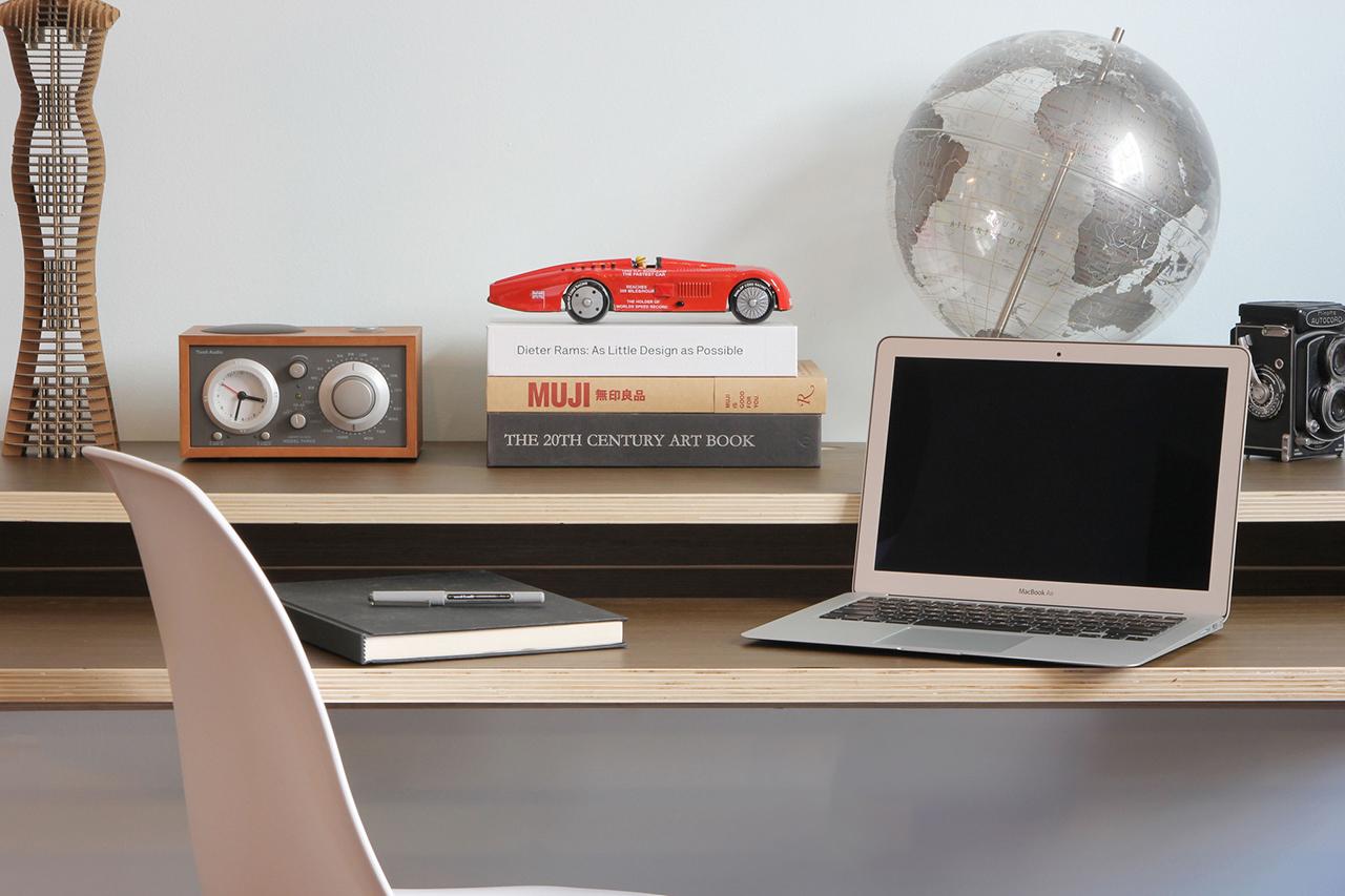 Image of Orange22 Design Lab Minimal Float Wall Desk