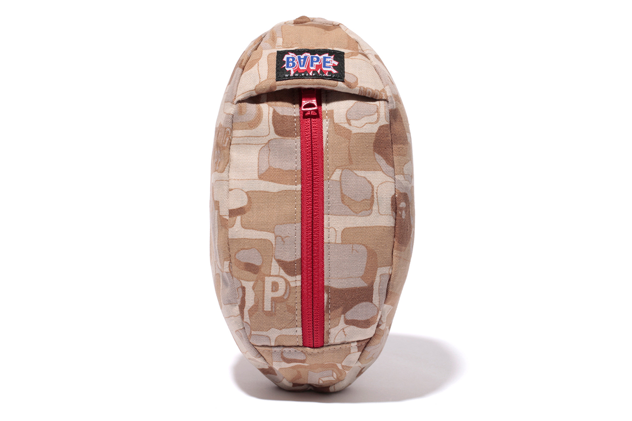 Image of A Bathing Ape 2013 Spring/Summer Explosive Camo Football Pouch