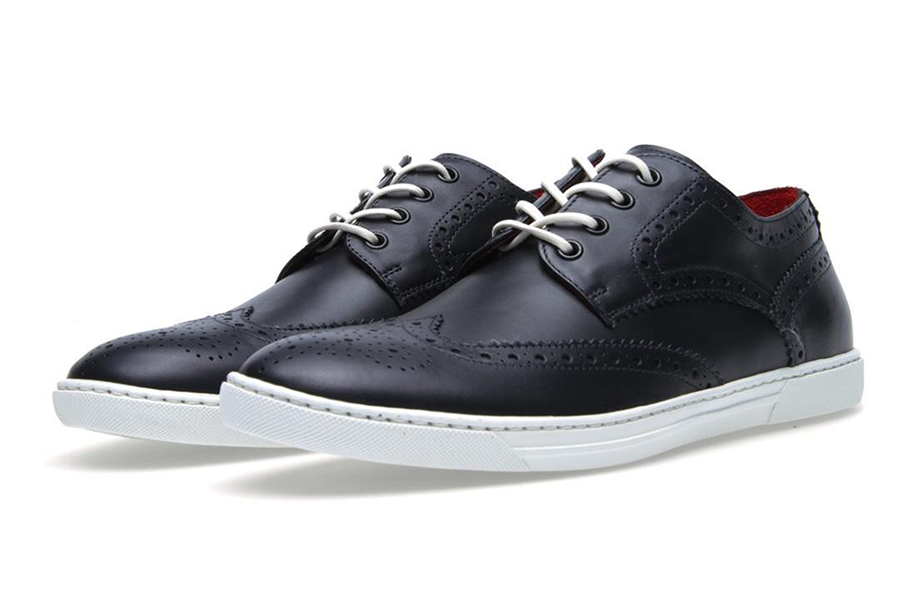 Image of COMME des GARCONS JUNYA WATANABE MAN x Tricker's 2013 Spring/Summer Leather Wingtip Sneakers