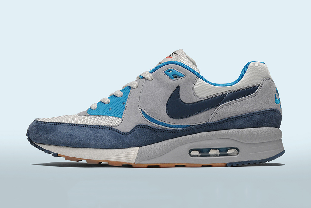 "Image of Nike Air Max Light ""Easter"" size? Exclusive"