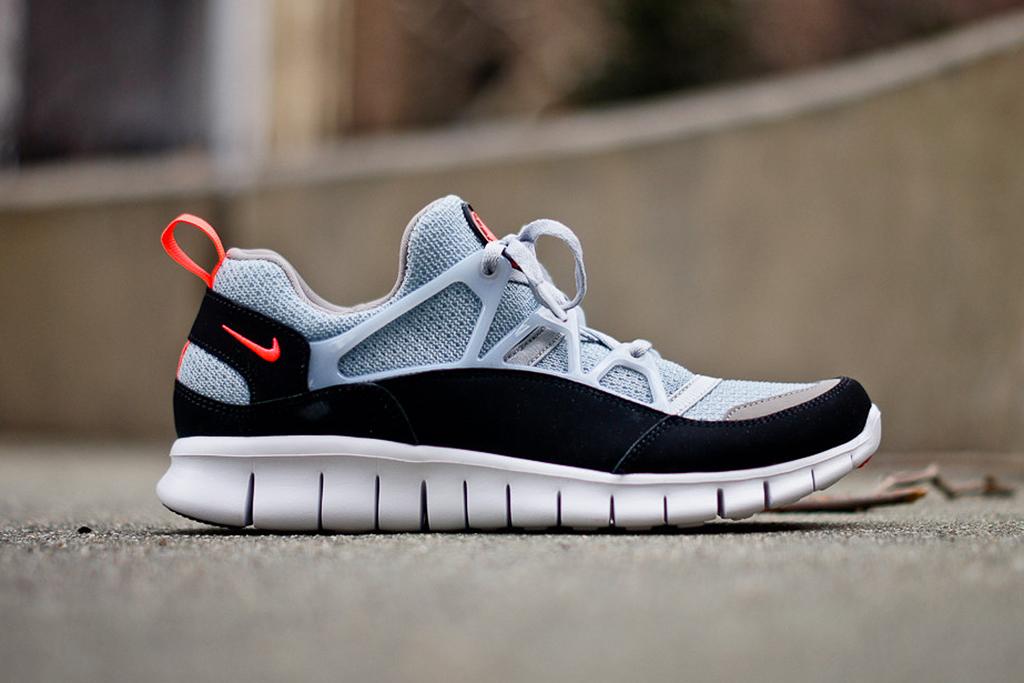 """Image of Nike Free Huarache Light """"Wolf Grey"""""""