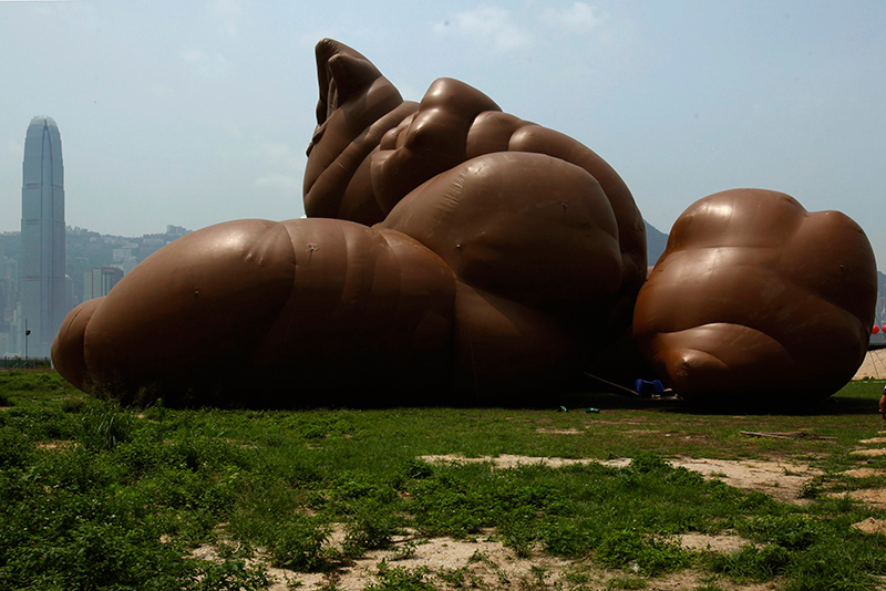 Image of Check Out Paul McCarthy's Pile of Feces and Other Unique Inflatable Sculptures | Video