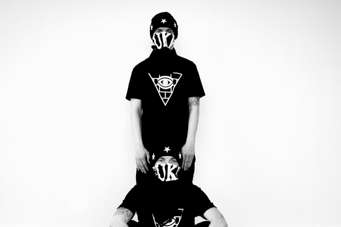 "Image of FRESH.i.AM ""DESTROY & REBUILD"" Editorial featuring the ATL Twins"