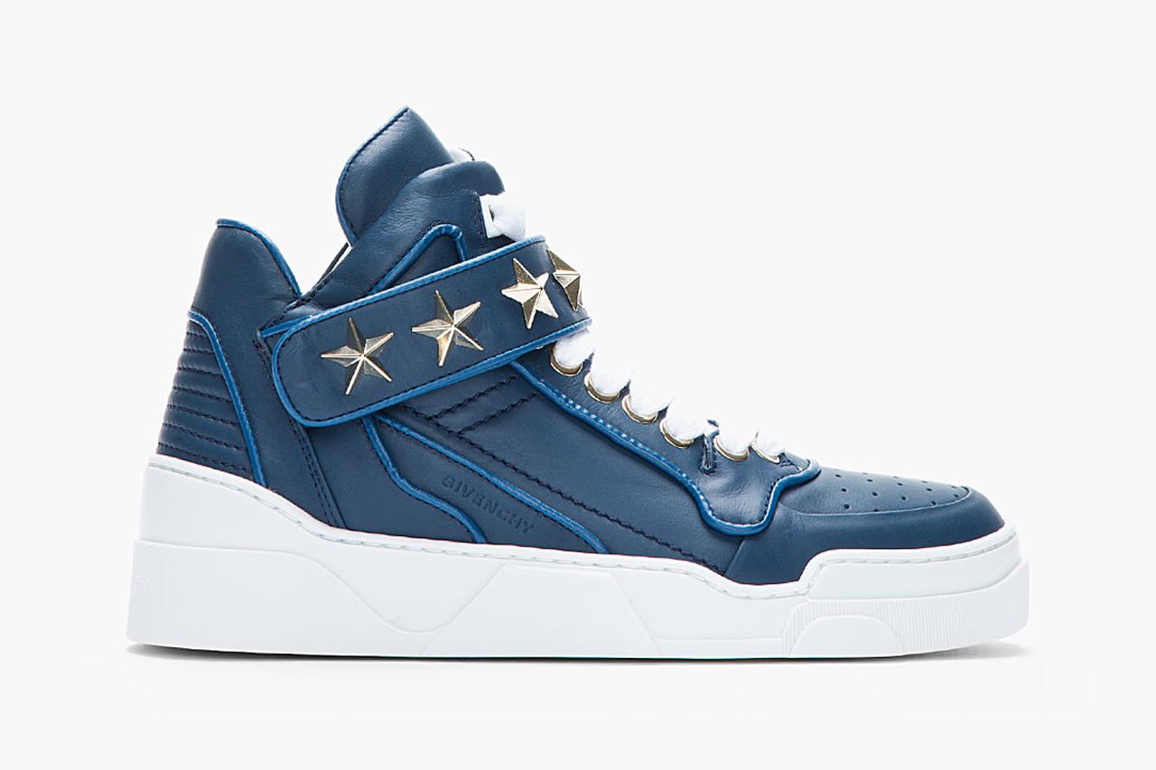 Image of Givenchy Navy Leather Star-Detail Sneaker