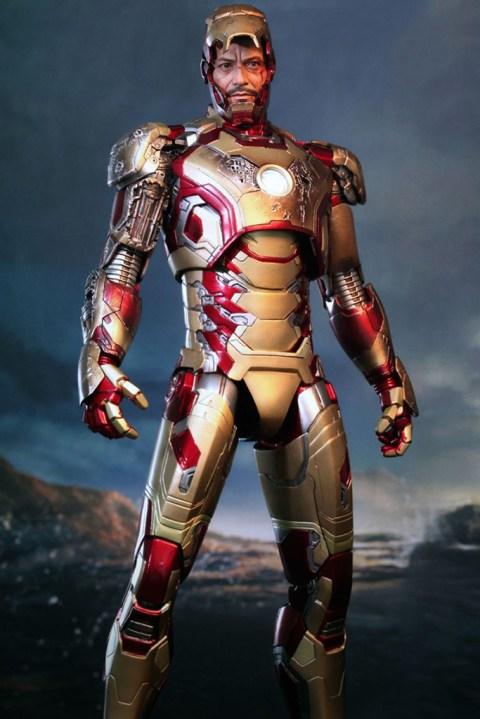 Image of Hot Toys Iron Man 3 Mark XLII Limited Edition Collectible Figure