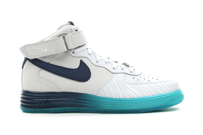 Image of Nike Lunar Force 1 Mid LTHR Pure Platinum/Squadron Blue