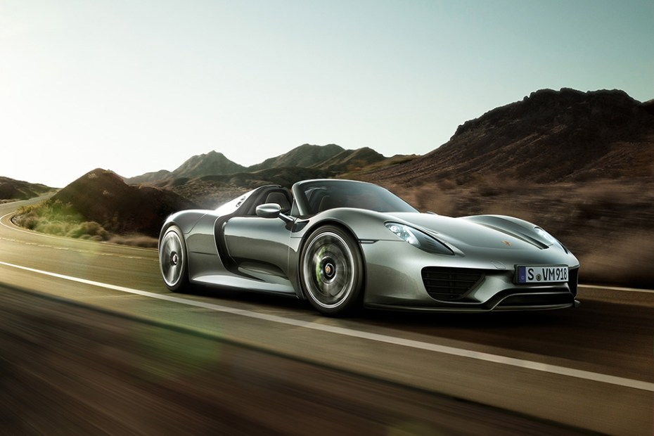 Image of A Look At the 2015 Porsche 918 Spyder Hybrid