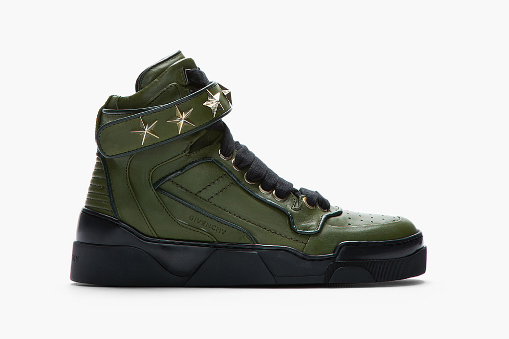 Image of Givenchy Army Green Leather Star-Detail Sneaker