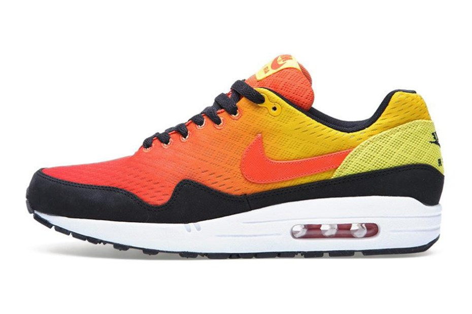 "Image of Nike Sportswear Air Max Engineered Mesh ""Sunset"" Pack"