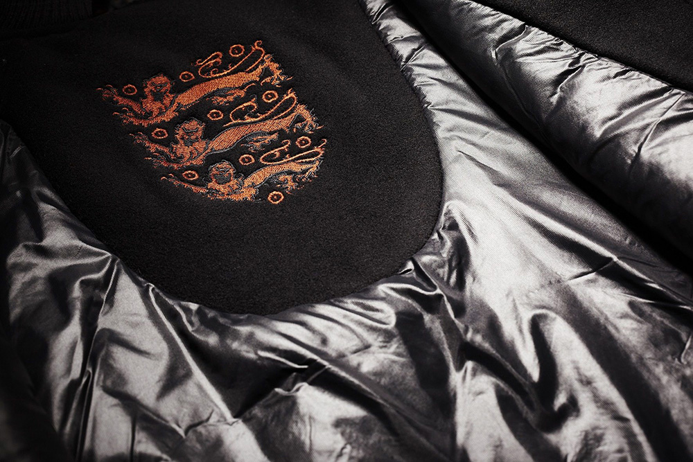 "Image of Nike Sportswear ""England"" Air Max 1 & Destroyer Jacket"