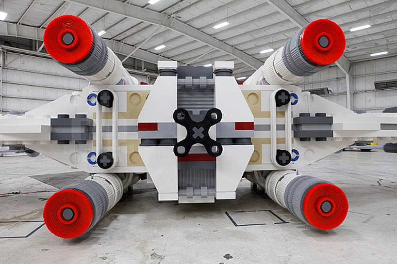 Image of The World's Largest LEGO Star Wars X-Wing Starfighter