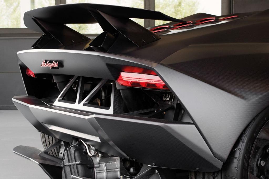 Image of A Look at the Lamborghini Sesto Elemento