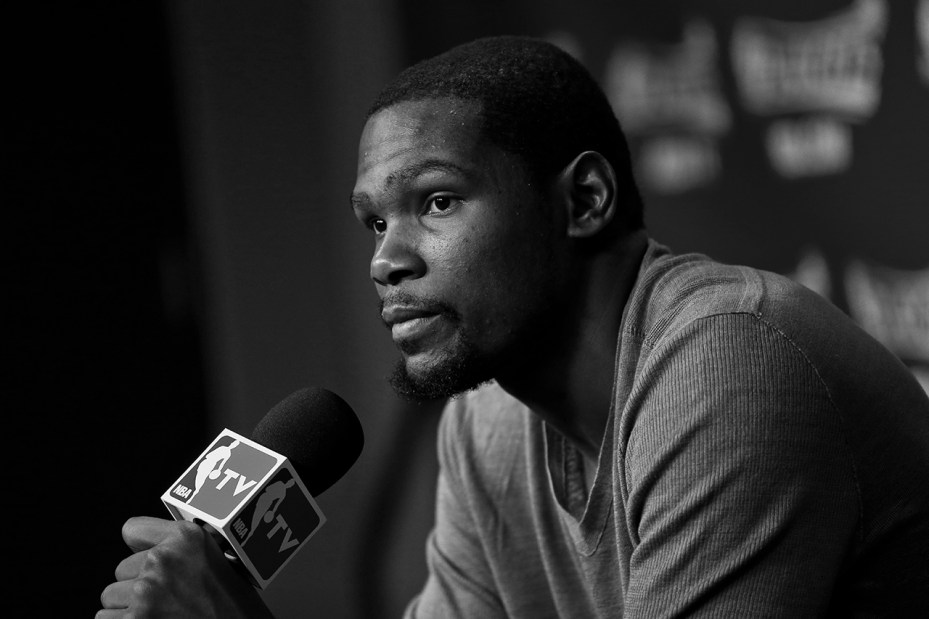 Image of Kevin Durant Signs with Roc Nation Sports