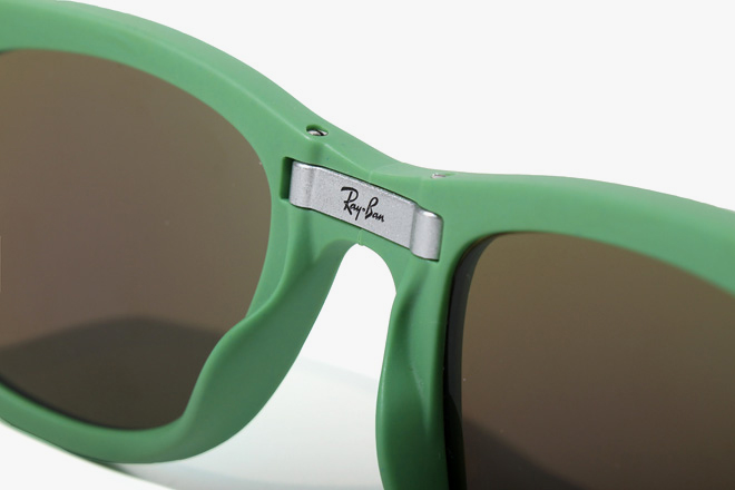 Image of Ray-Ban 2013 Folding Wayfarer Collection