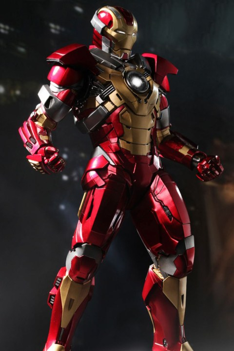 "Image of Hot Toys Iron Man 3 ""Heartbreaker"" Mark XVII Limited Edition Collectible Figure"