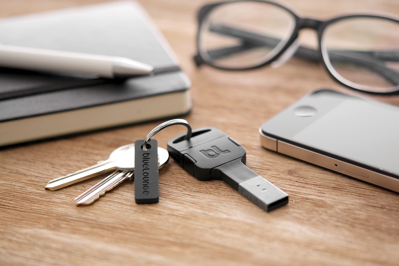 Image of Kii: A Portable Lightning Cable for Your Keychain