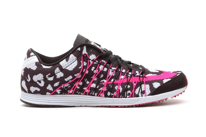 Image of Nike LunarSpider R4 Black/Pink Foil-Pure Platinum