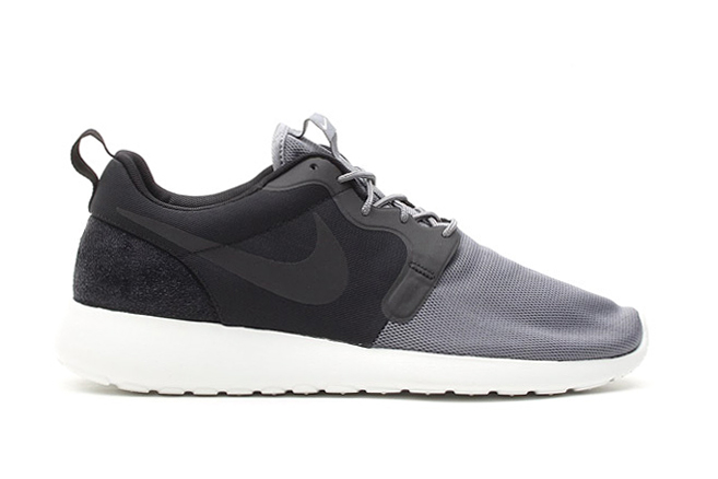 Image of Nike Roshe Run Vent Black/Cool Grey