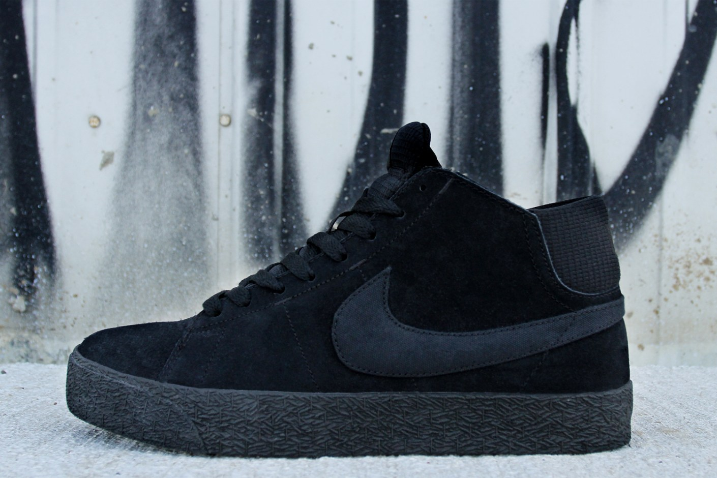 Image of Nike SB Blazer Mid LR Black/Dark Grey