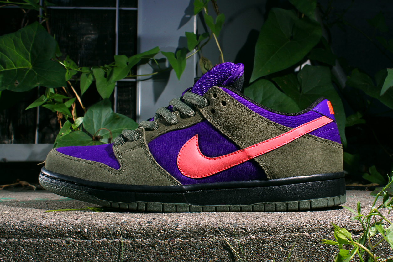 Image of Nike SB Dunk Low Pro - Olive/Atomic Red-Electric