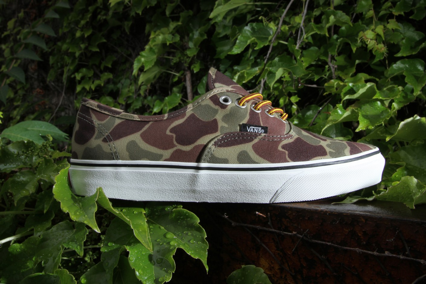 """Image of Vans Authentic Waxed Canvas """"Camouflage"""""""