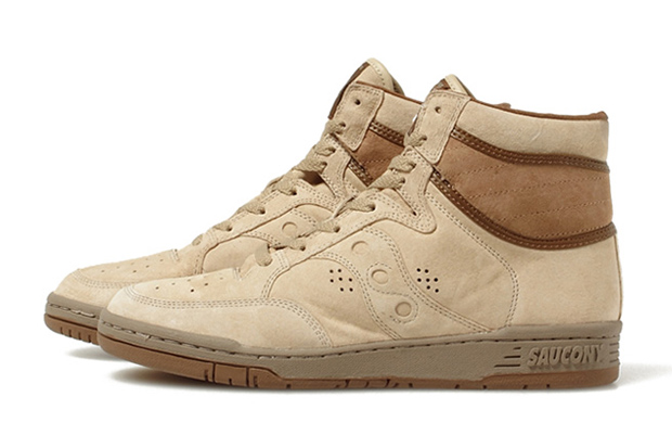 Image of White Mountaineering x Saucony 2013 Fall/Winter Suede Sneakers