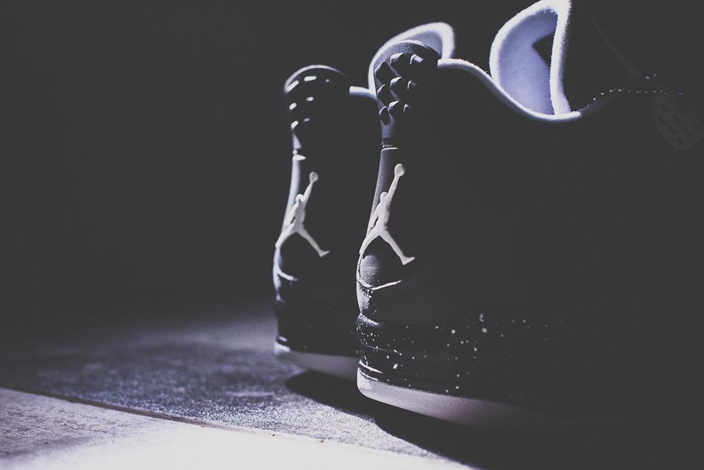 "Image of A Closer Look at the Air Jordan 4 Retro ""Fear"""