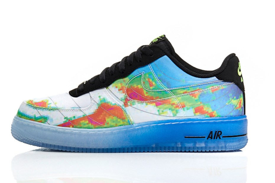 "Image of A Closer Look at the Nike Sportswear ""Weatherman"" Pack"