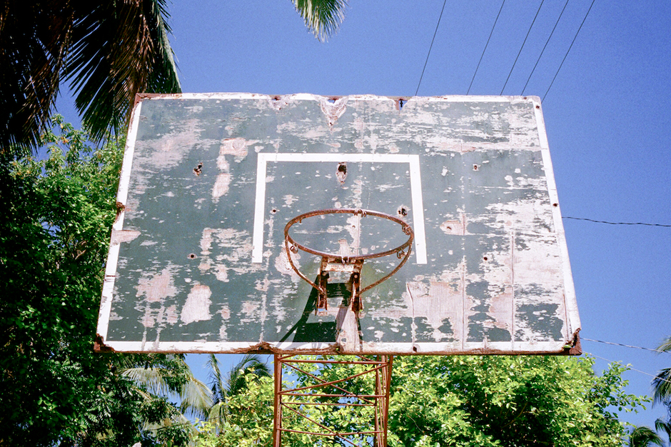 Image of Adrian Skenderovic's Photo Essay on Neglected Basketball Hoops