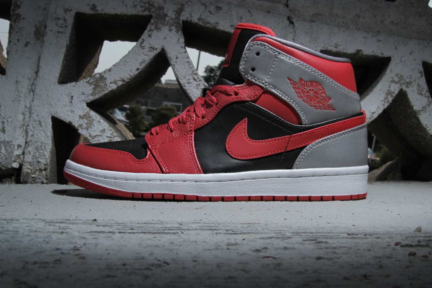 Image of Air Jordan 1 Mid Fire Red/Black-Cement