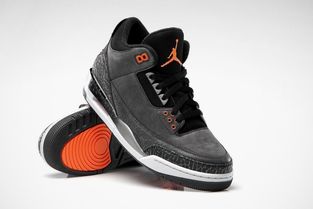 """Image of Air Jordan 3 Retro """"Fear"""""""