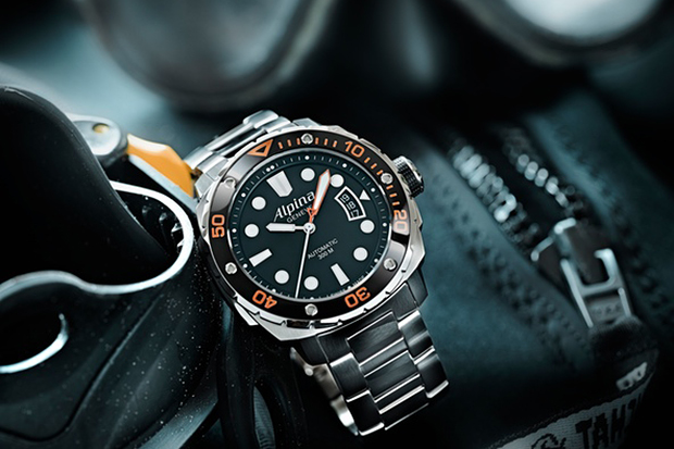 Image of Alpina 300 Extreme Diver Orange Collection