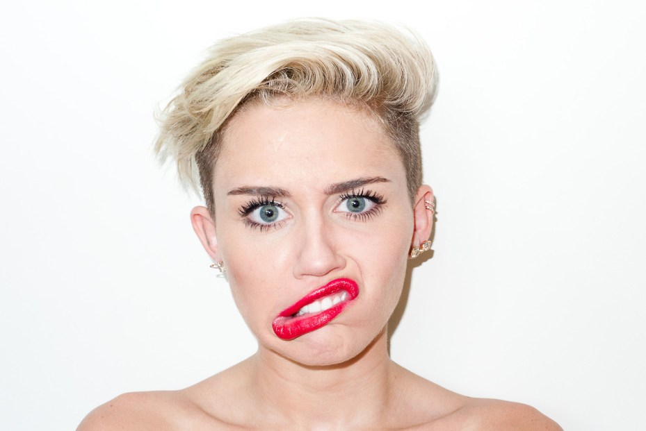 Image of Miley Cyrus Visits Terry Richardson's Studio