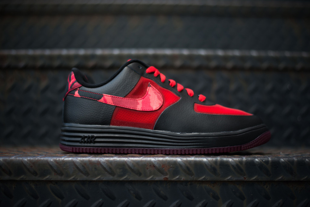 "Image of Nike Lunar Force 1 Fuse ""Red Camo"""